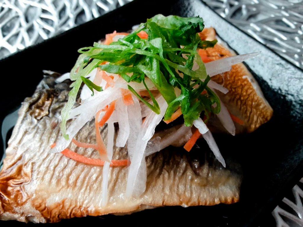 玉ねぎと鯖の焼きびたし写真2